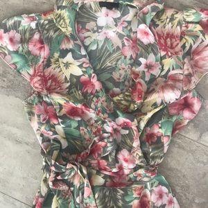 Dresses & Skirts - Hawaiian Print Dress 🌺